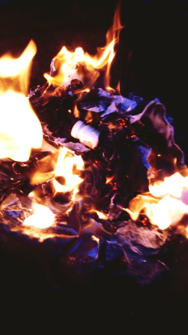 Let It Burn Love Letters Check This Out Hello World Colorful Flames Break Up Burning Letters Old Love Letters Burning Burning Love Untold Stories Still Breathing Enjoying Life Capturing The Moment Smartphonephotography My Cali Life From My Point Of View Abstract Art