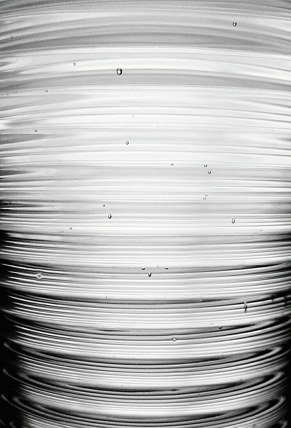 Saturday Glass Of Water Glassofwater Glass Water Bubbles Black & White B&w B&w Photography Normal Day Life Photography Thirsty  Pattern Pieces