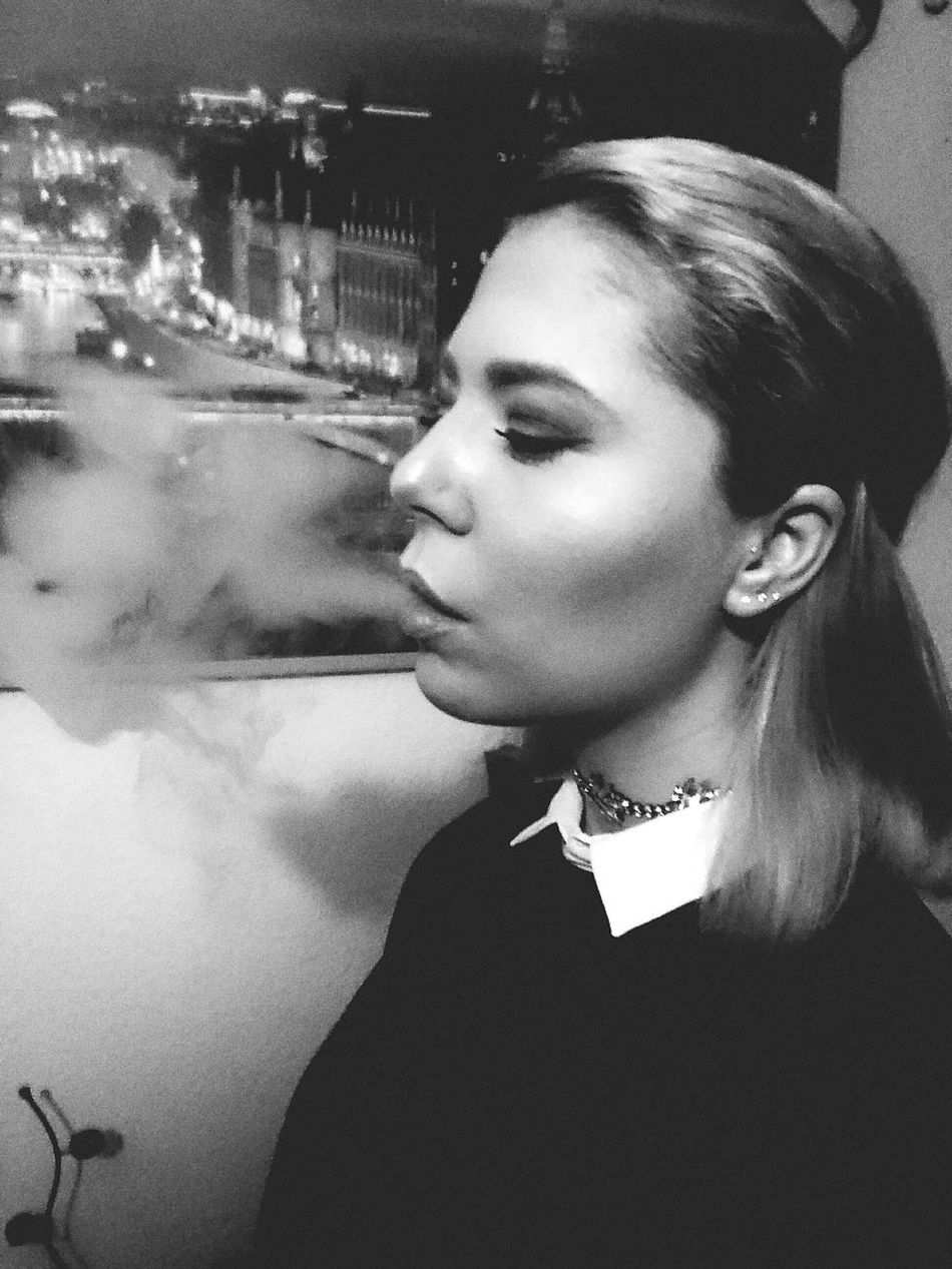Smoking Girls Smokey Eyes Outfitoftheday Faces Of EyeEm That's Me First Eyeem Photo Casual Clothing Black And White Photography Portrait One Person Me Myself And I