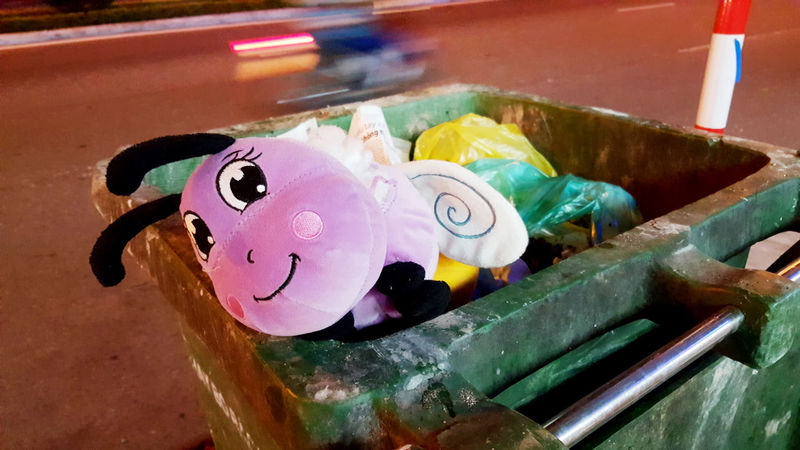 Abandoned soft toy in rubbish bin in street in Danang, Vietnam. Abandoned Discarded Faces Lost Night Rubbish Rubbish Bins Smiles Soft Toys Streets Traffic Trash