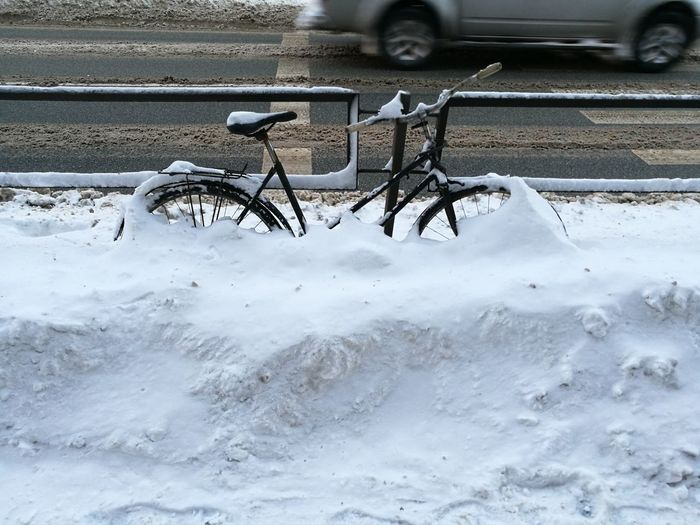Nature Cold Temperature Snow City Winter Land Vehicle Transportation Bicycle Postapocalypse Cycling In Snow Burried In Snow Bicycle In Snow Winter