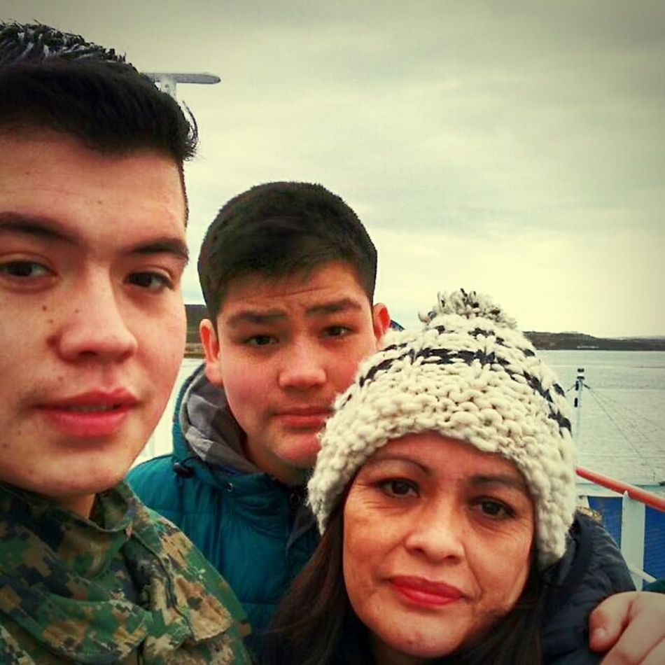 Mi Hermano MAMA<3 Yo:3 Barcaza