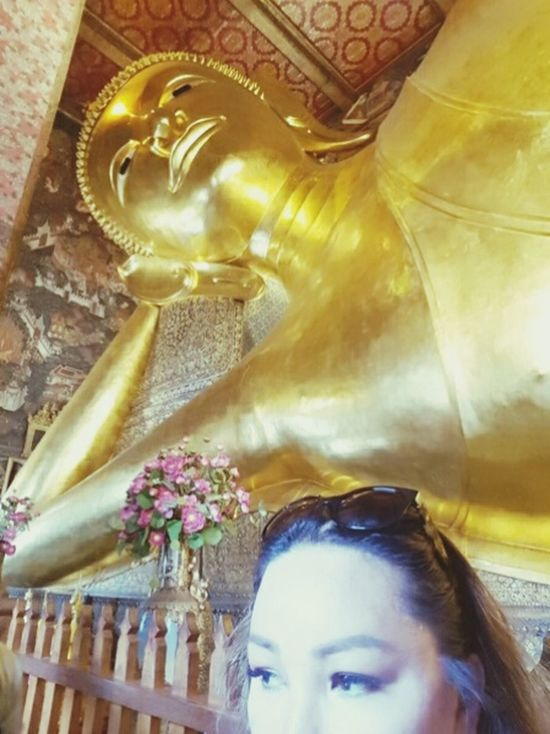 Sleeping Buddha Statue Spirituality Religion Sculpture Place Of Worship Fine Art Photography The Journey Is The Destination Bangkok Thailand. Famous Place Wat Pho Leisure Activity Lizara ❤️ Statue Human Representation Spirituality Religion Low Angle View Sculpture Indoors  Art And Craft Place Of Worship People And Places Trying To Be Artsy