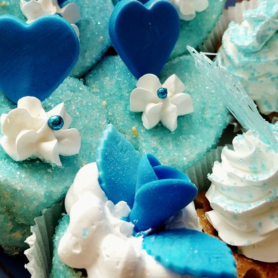It was wedding. It was the most delicious cake which i have eaten in my life! Blue Sugar Cakes Delisious Heart Flower White Color It Was Delicious Special For Special I Want This Just I Live For Little Moments Like This It Was 5th March My Congratulations Love To Take Photos ❤ I Want Eat This Again Exactly