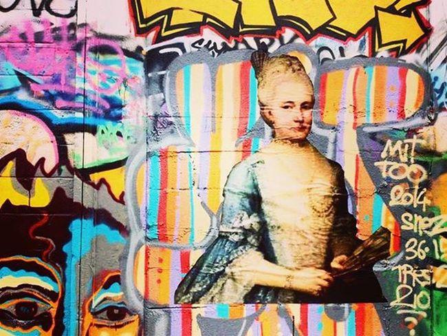 Art.➰ μεταξουργείο Art Streetart Creative Creativityisallaround Coloursareeverywhere Graffiti Woman Mondayfunday Sunnyday Sun HappyMood Happyvibes Loveiseverywhere Lovethesoul Dream Care Fight 🔵⚪⚫