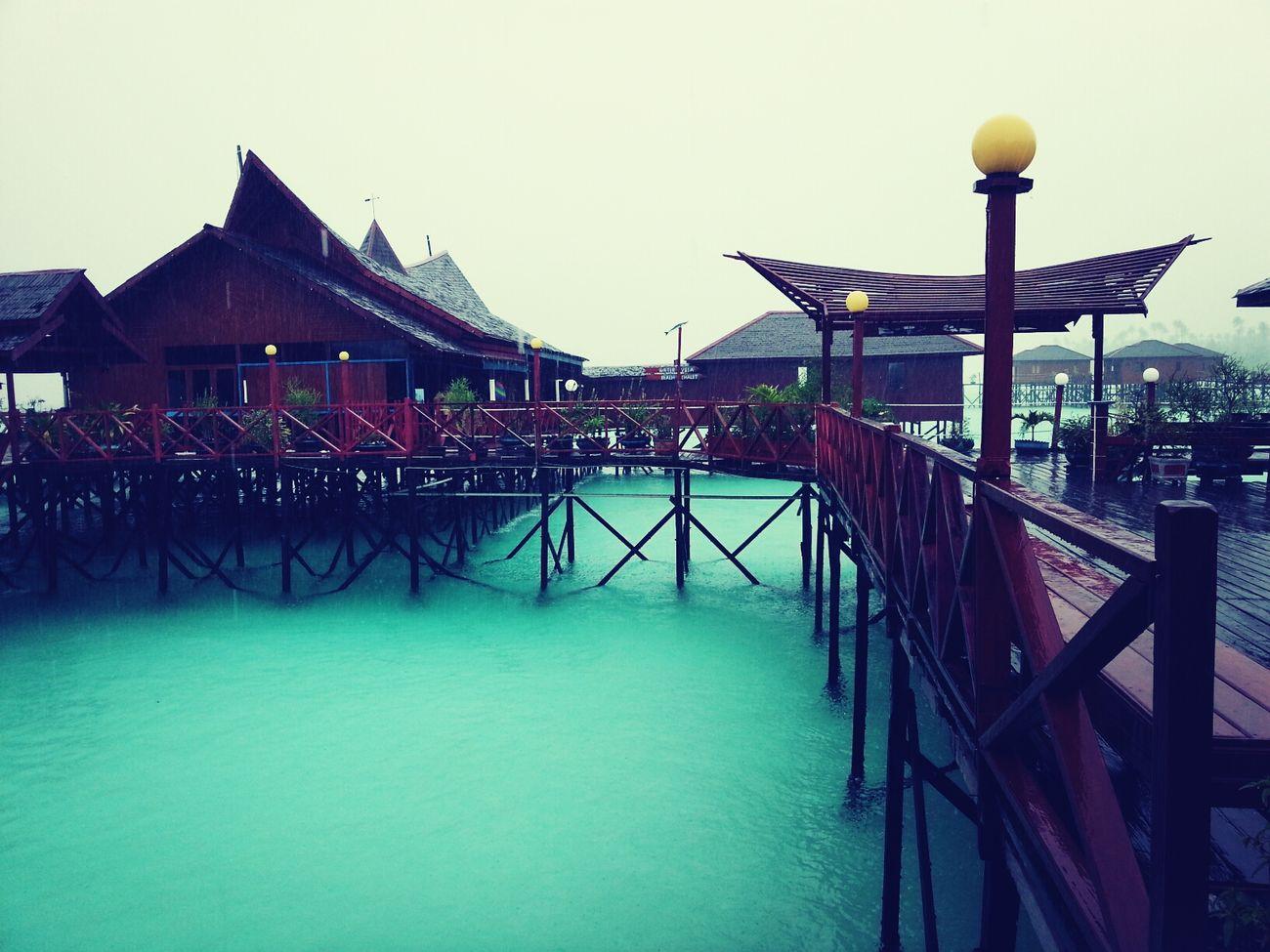 Rain Picnic Swimming Relaxing Maratua Island