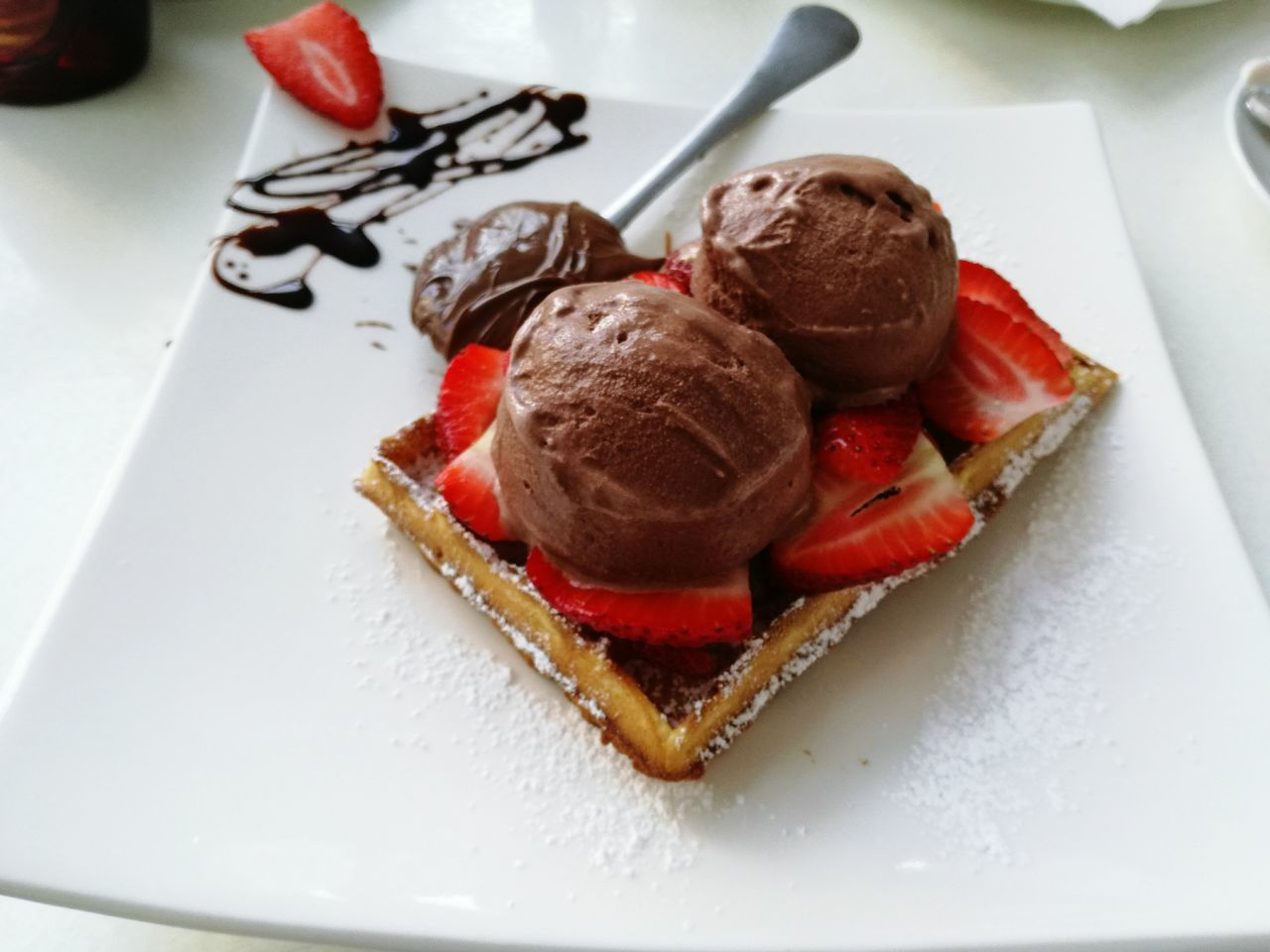 YUMMY... Waffles , sun and beach. A few of the best things in life. Sweet Food Unhealthy Eating Temptation Gelato Waffles!!