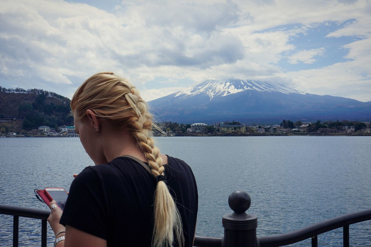 Look, shoot, edit. Mount FuJi Japan Fujisan Mountain Girl Travel Hair