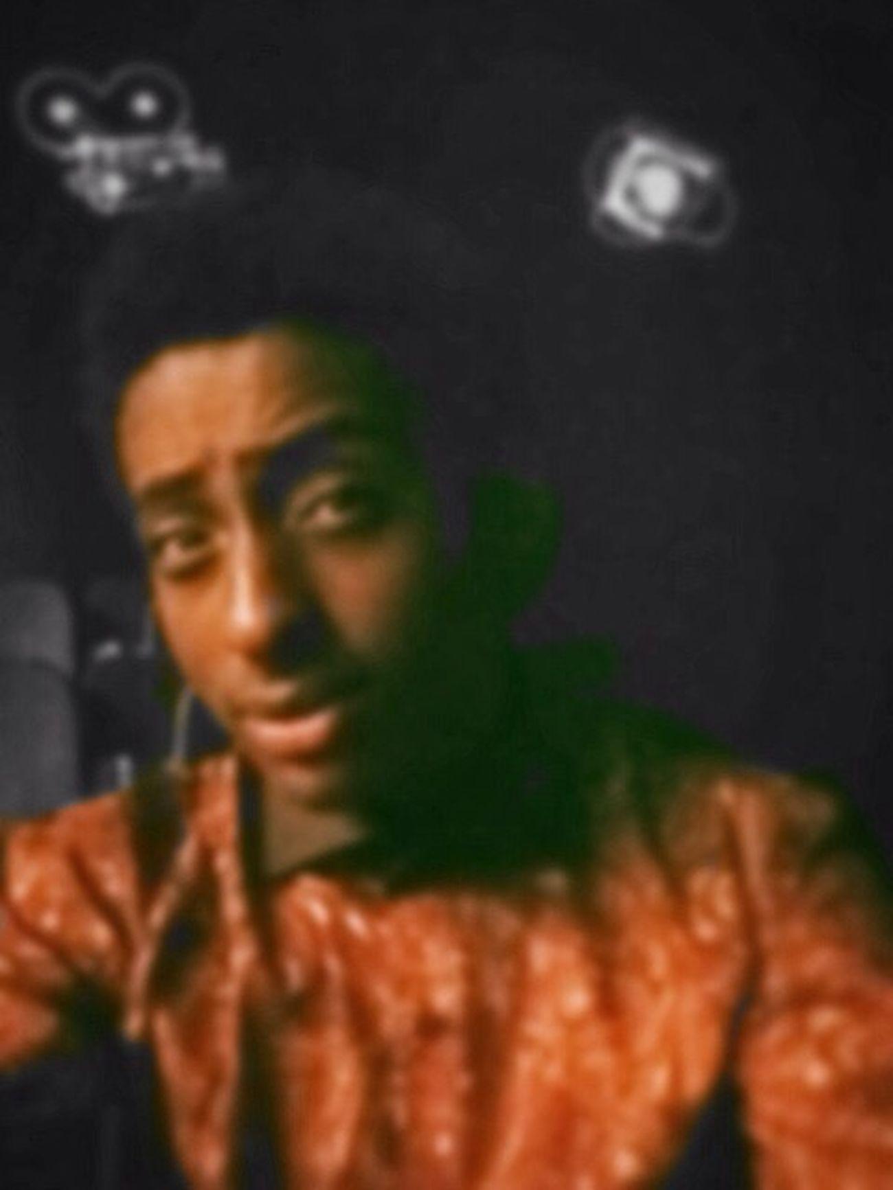 Dramaclub Selfie Blur