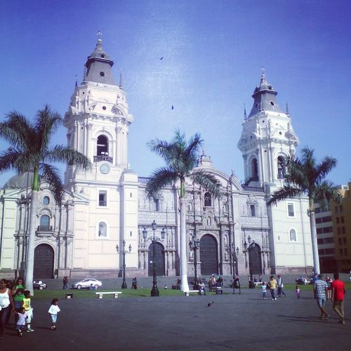 Catedral de Lima Architecture Built Structure History Barroco Ciudad De Los Reyes Architecture Built Structure Religion Building Exterior Large Group Of People Land Vehicle Transportation Spirituality Church Car Mode Of Transport Place Of Worship Tree Tourism Tourist Façade Parking Travel Destinations In Front Of History First Eyeem Photo
