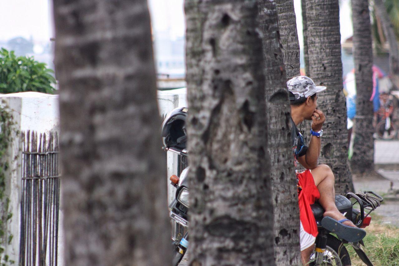 Yung moment na nangungulangot at nag-iisip ka kung may forever ba talaga Focus On Foreground Getty Images Eyeemphotography Streetphotography Street Photography EyeemTeam Taking Photos Eyeem Philippines Gettyimages EyeemPhilippines Eyem Best Shots