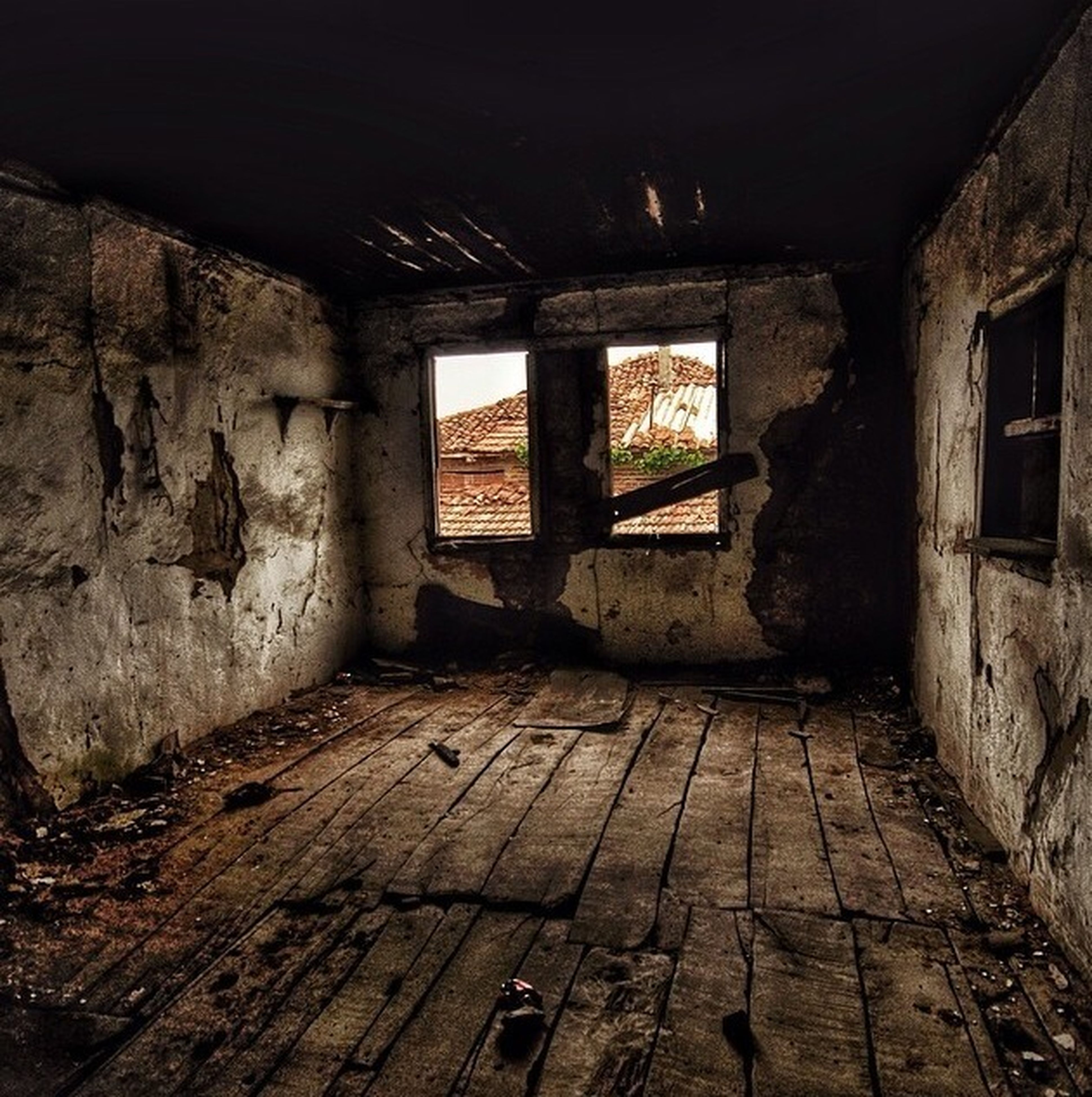 indoors, abandoned, architecture, built structure, obsolete, run-down, deterioration, old, damaged, weathered, interior, ruined, bad condition, window, old ruin, wall - building feature, destruction, house, building, corridor