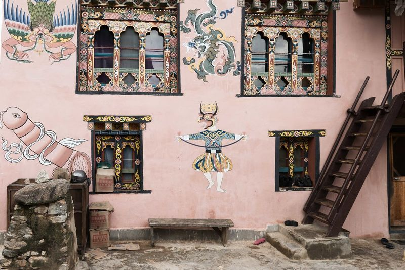 Bhutanese Architecture Chimi Lhakhang Punakha Architecture Art And Craft Bhutan Bhutan_ig Bhutanese Bhutanese Culture Bhutanese Temple Building Exterior Built Structure Creativity Day Human Representation No People Outdoors Sculpture Statue Window