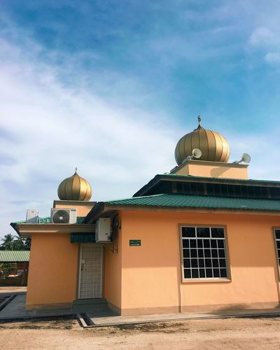 mosque EyeEm Architecture Dome Religion Built Structure Building Exterior Sky Spirituality No People Outdoors Day EyeEm Ready   EyeEmNewHere