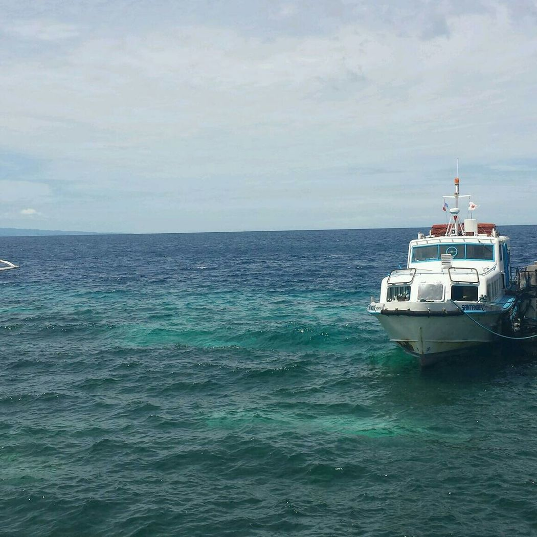 backpackers in Siquijor