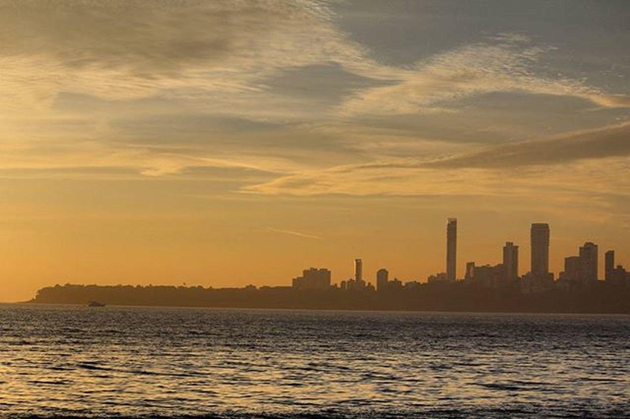 Marinelines Mumbai Mumbaicity Sunsettime Sea Clouds Landscape Canon1200d Canonindia C olden Buildings Nofilter