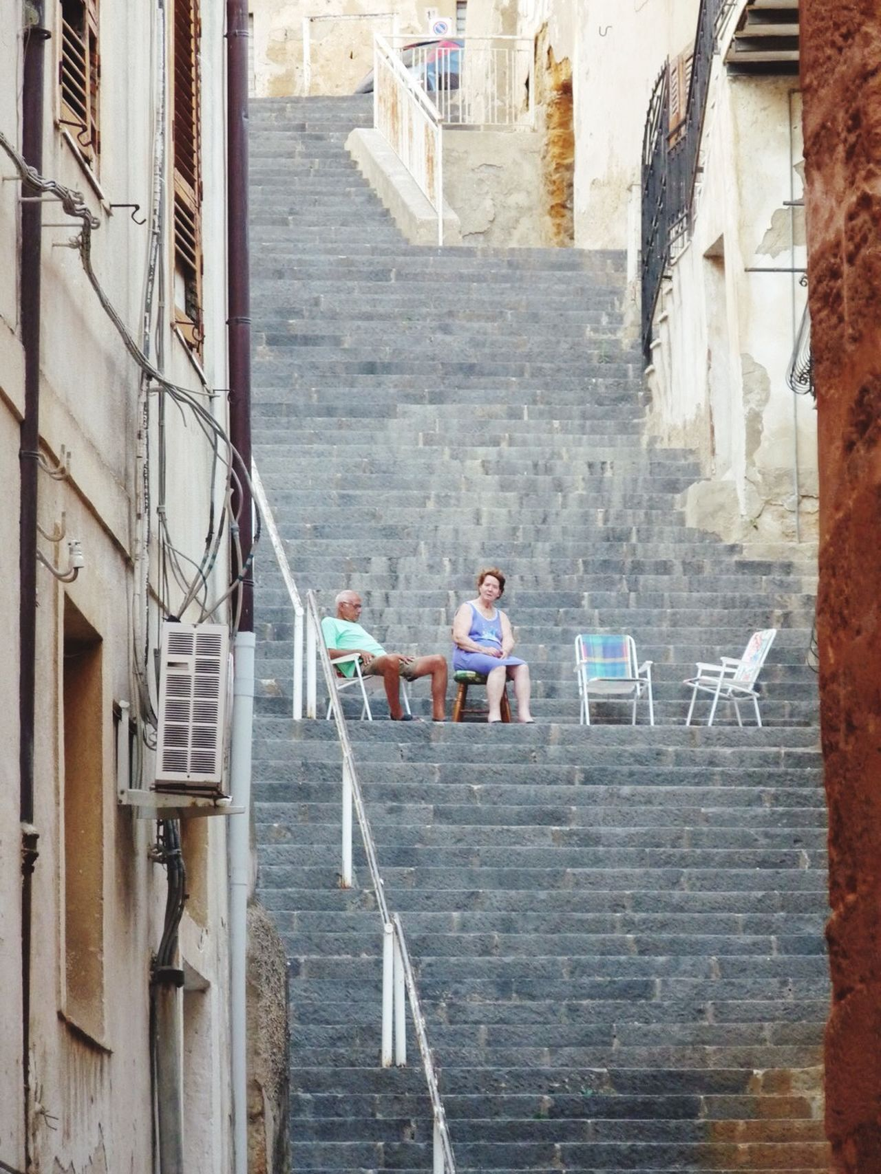 Happy monday ... Sicily Streetphotography Love In The Air