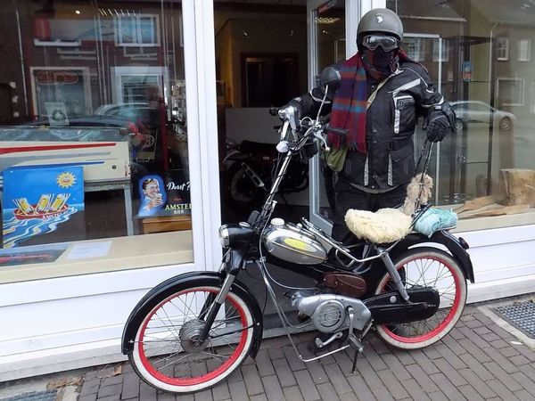 Puch Mopeds Oldtimer Geleen Winter me riding my 39 year old moped every day of the year.