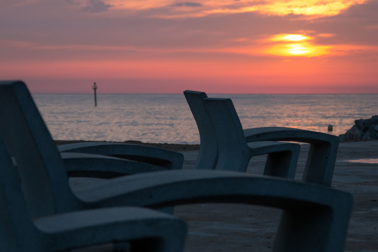 Barcelona Sunset_collection Lounge Concrete Chair Sunbathing
