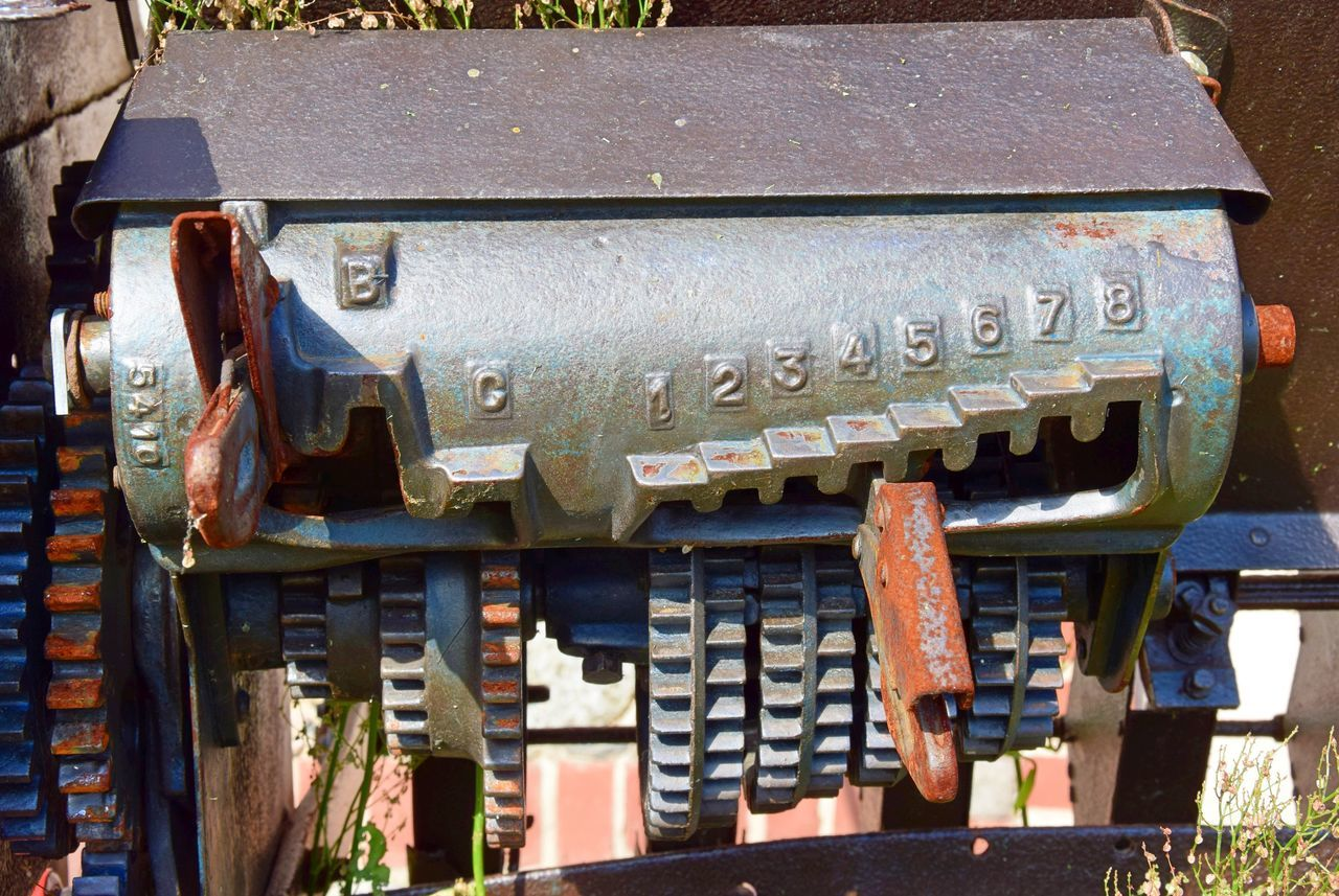 metal, outdoors, day, rusty, no people, abandoned, public mailbox, close-up