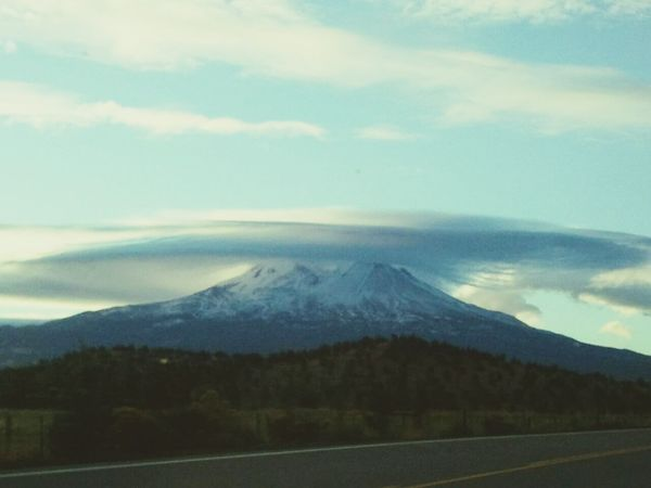 Lenticular cloud 2. Mt Shasta Cloud Lover Check This Out Relaxing Sky Lovers Sky Clouds And Sky Enjoying Life Beautiful