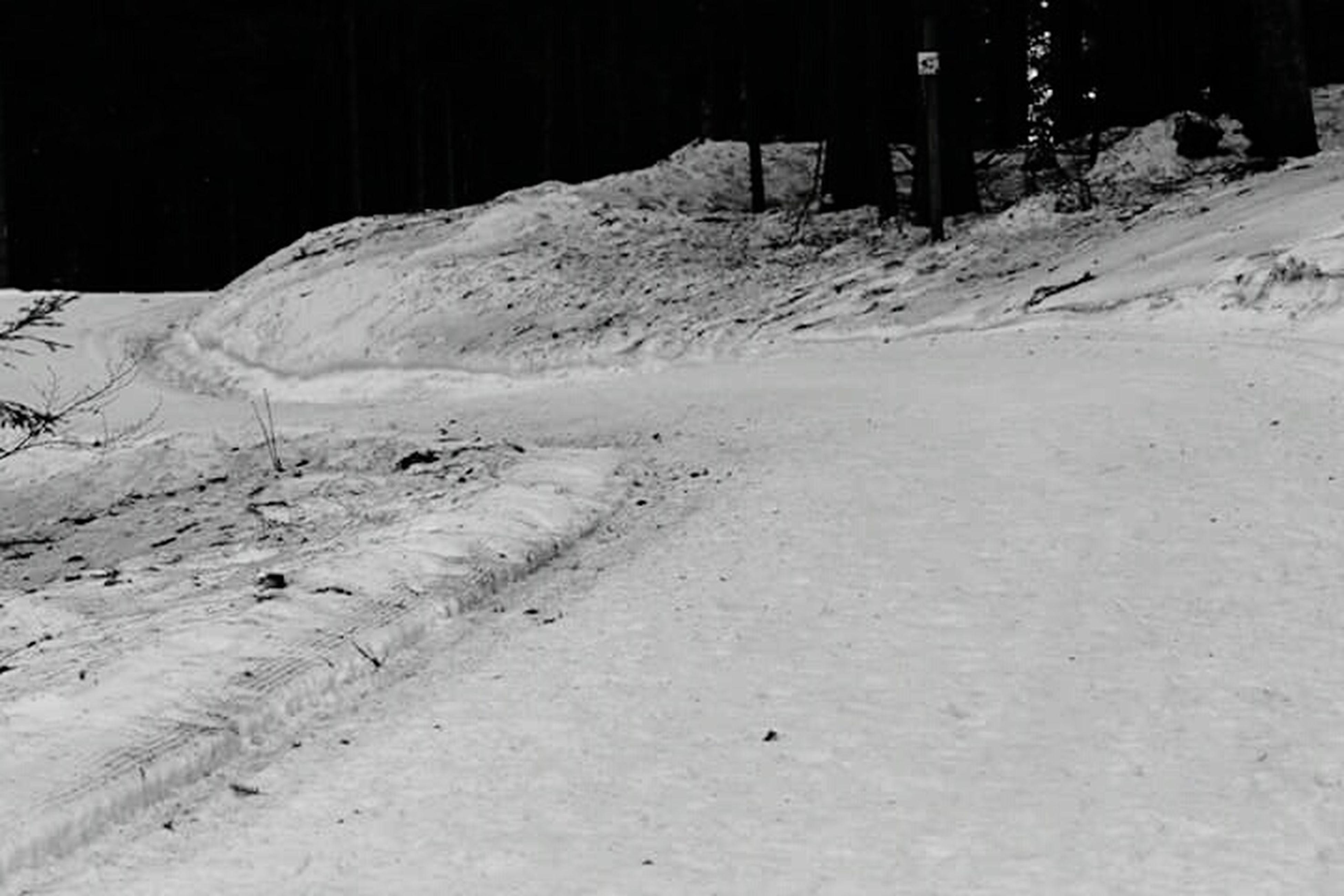 snow, winter, cold temperature, season, landscape, covering, weather, tranquility, white color, tranquil scene, nature, field, road, scenics, non-urban scene, beauty in nature, snow covered, outdoors, mountain, covered