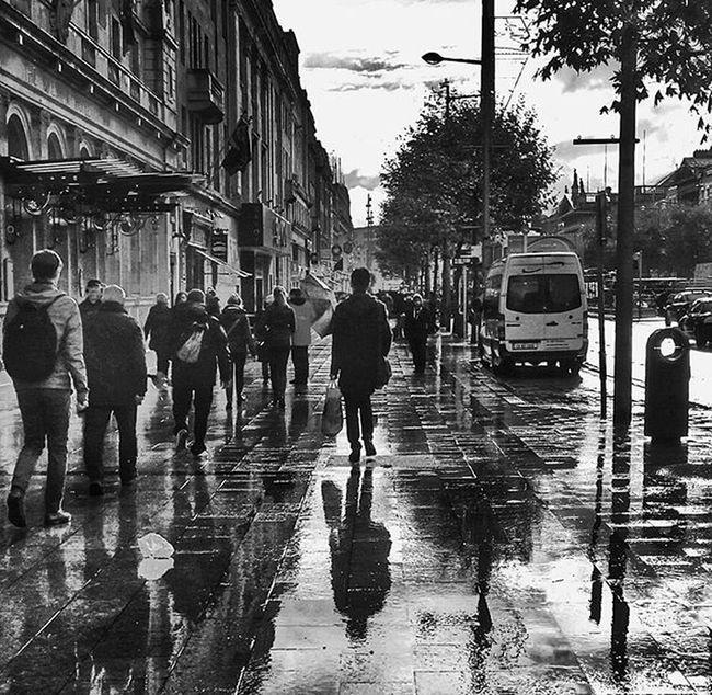 "O'Connell Street, Dublin. 18/11/2015 ""The afternoon knows what the morning never suspected."" ~Robert Frost Pro_ig Premiumposts Photooftheday Sunset TBT  Theworldshotz VSCO Vscocam Vscogood Globe_travel_ Hot_shotz Instagood Ig_europe Igworldclub Igersdublin Igworldbestshots Red Sunset ExploreEverything Featuremeinstagood Globe_travel_ Hot_shotz Instagood Igmasters Ig_europe"