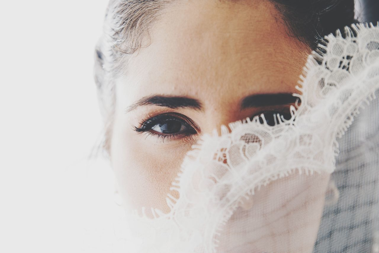 EyeEmNewHere Only Women One Woman Only Adult One Young Woman Only People Human Eye Beautiful People Human Body Part Portrait Eyelash Eyestoriestudio EyeEm Canon 5d Mark Iv Sound Of Life Wedding Wedding Party Wedding Day Love Live For The Story Weddingphotography Wedding Dress Weddinginspiration Portraits Of EyeEm Portraitmood