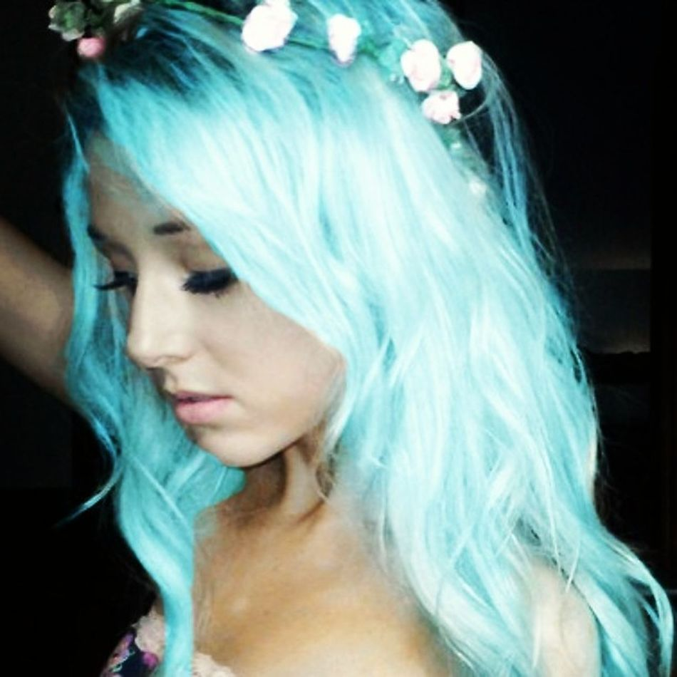 This is the baby blue pastel I hope to pair with a beautiful pink, and maybe a purple for my shorter hair when I decide to get rid of my side cut Bluepastelhair Futureplans Sidecutfuture
