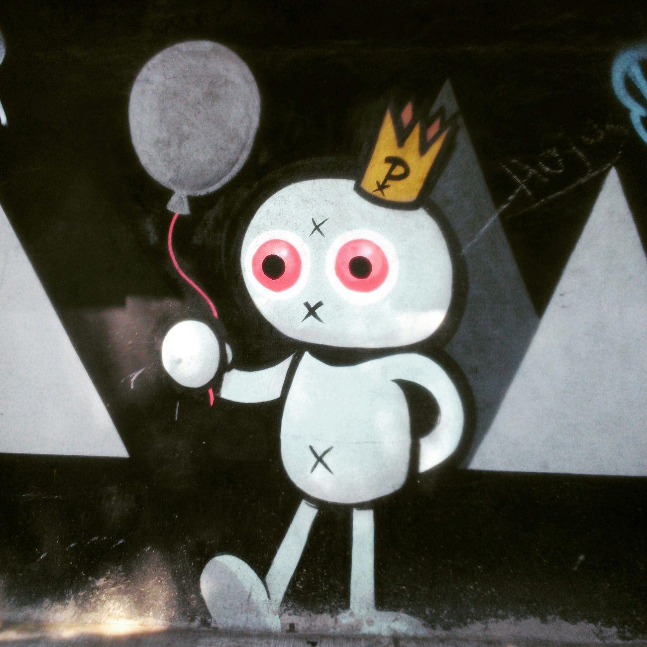 UnDomingoEnElCiclotón 38km Graffiti Arteurbano ArteEnCalles Streetphotography RunningBike 🚲📷✌