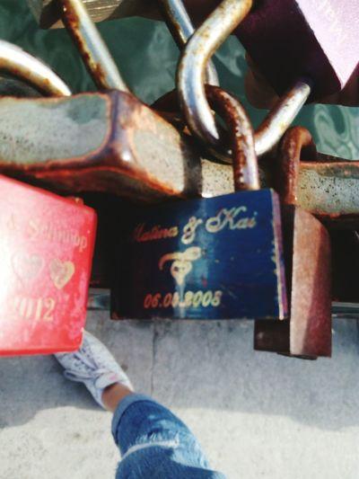 Live For The Story Love Bridge Key