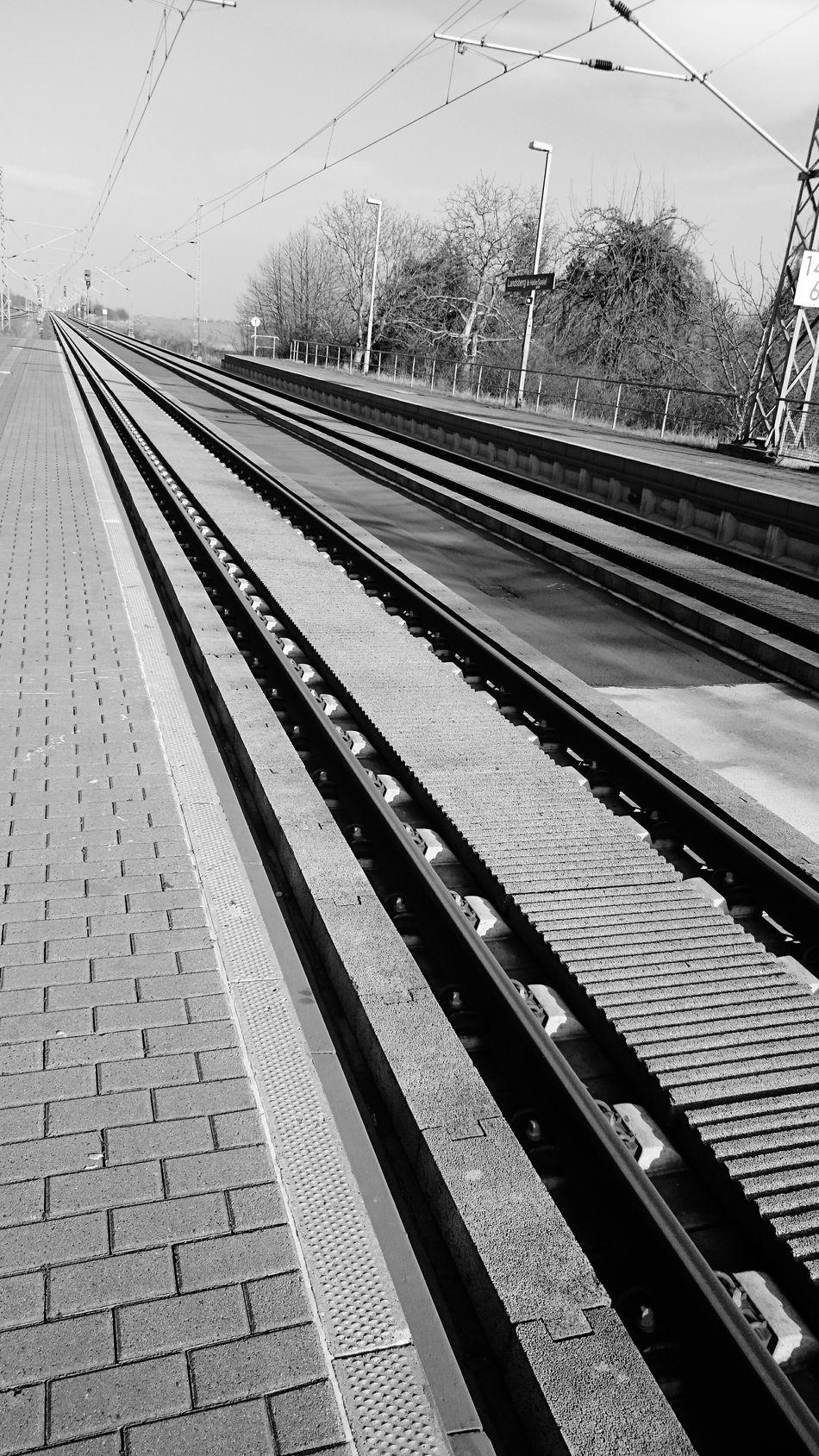 Auf Zug warten...