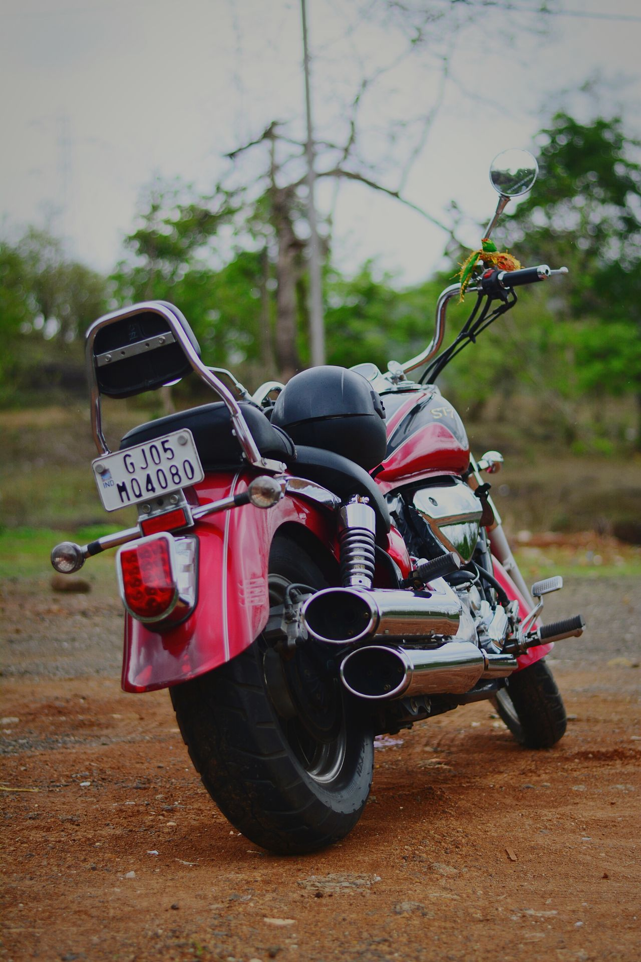 BRING ME ON ROAD.WAITING FOR U! Motorcycle Outdoors No People Green Green Green!  Hyosung HYOSUNG_GTR_😍😍 Cruiser Cruiserbike Redbeast Lovetoride Potrait Readyforride Soulful