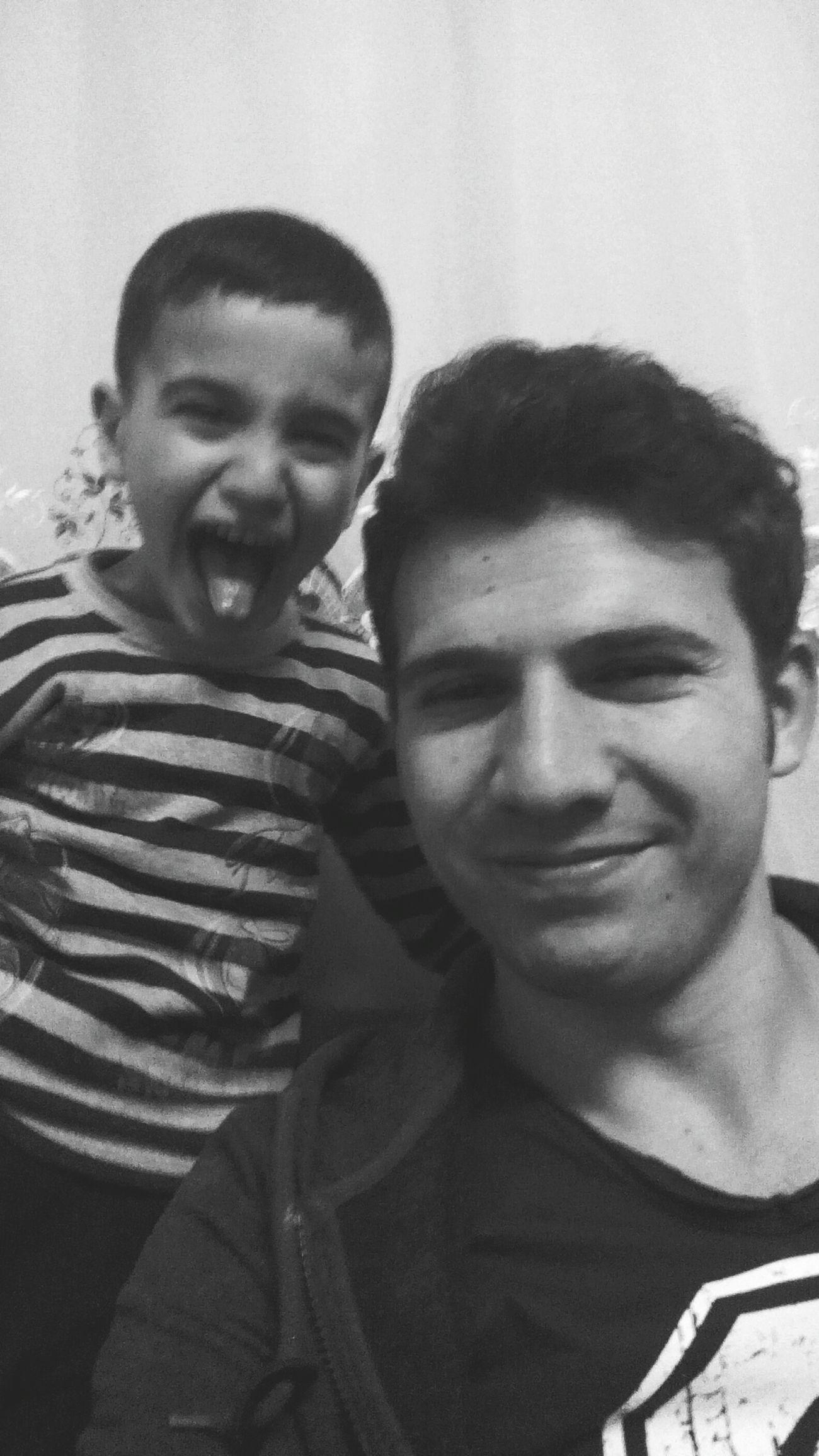 Yigen Ibrahim Izmir şımarıklık Komik Aile 23 NİSAN