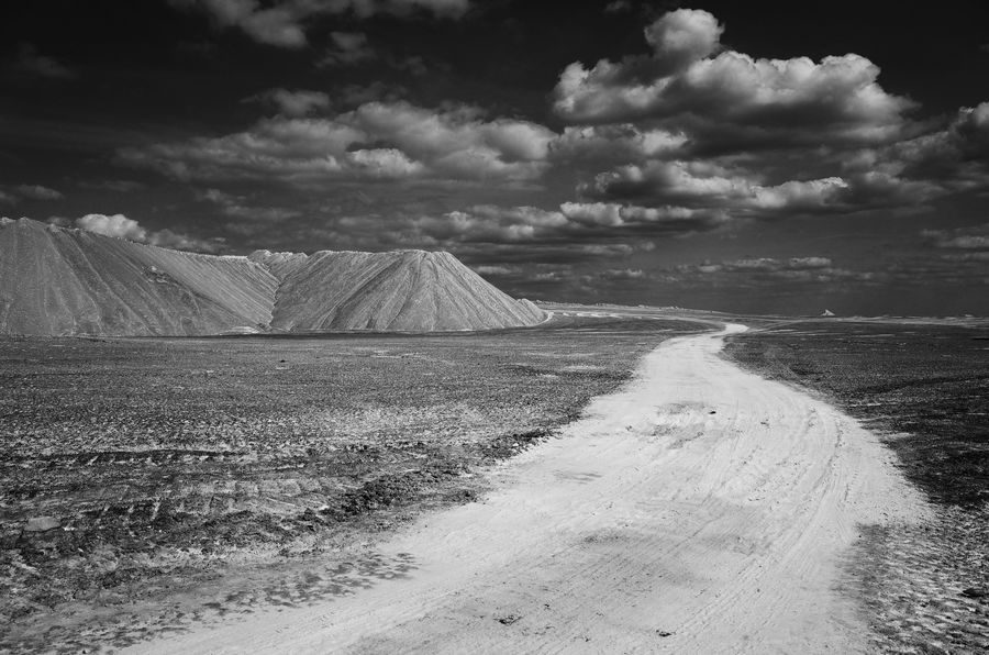 b/w B/w Landscape Magdeburg Mountain Non-urban Scene Saxony Anhalt Way Ricoh Gr Width Dump Barren Mining Silence Lonely Mountains Germany Wasteland Road Clouds