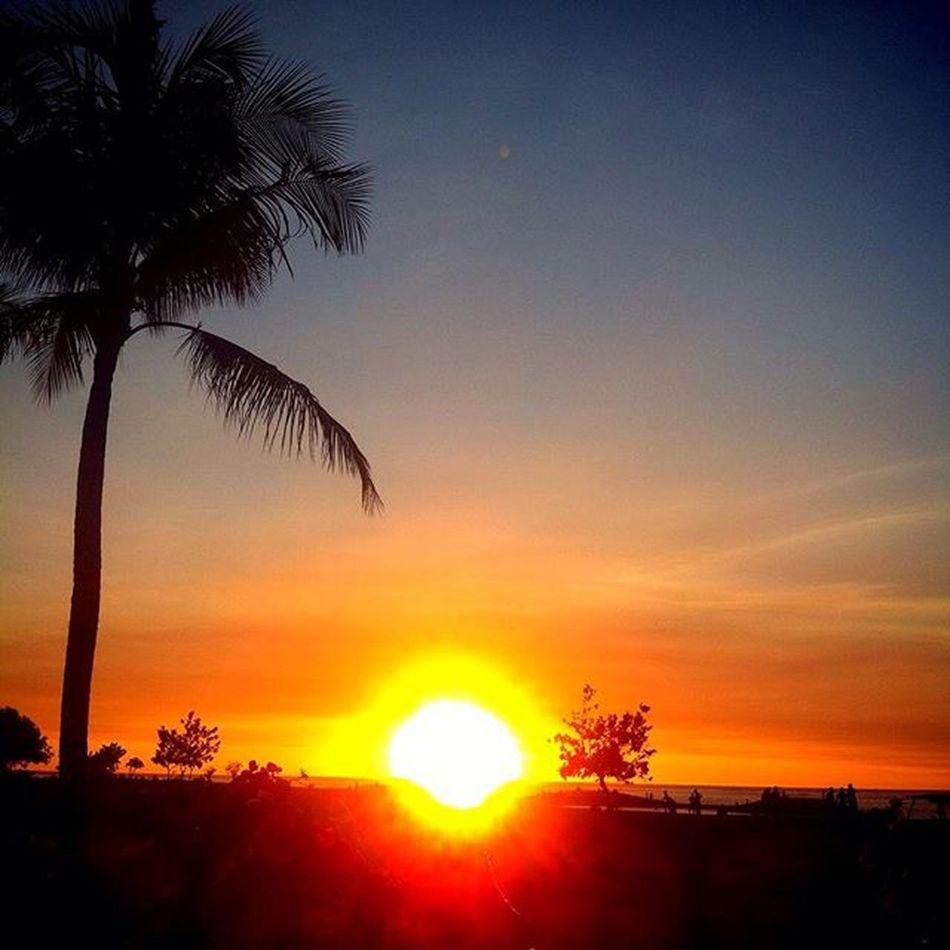 Sunset + Friends = Perfect Blend! Nature Sunset Sky Coconuttree Beach Love Baligasm Travel Balitravel Balinews Infodenpasar