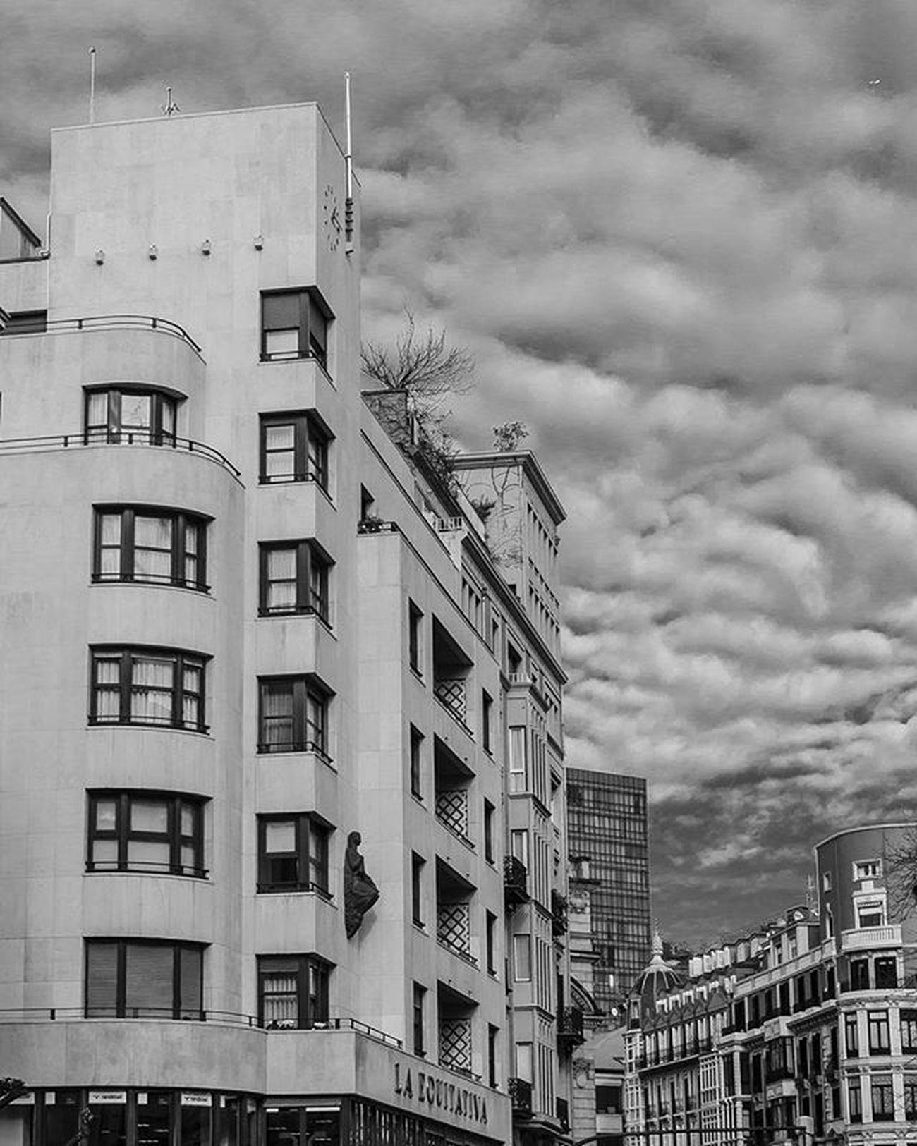 Bilbao Euskadi Streetphotography Verybilbao Bilbosoul Ilovebilbao Total_euskadi Estaes_paisvasco Loves_euskadi Bilbaoclick Estaes_de_todo Estaes_euskadi Turismo_euskadi Euskorincones Total_city Total_night Ok_spain Thebestoftheday Ig_sanat Igersbilbao Igersbizkaia Igerseuskadi Igersspain Igerseurope Architecture bilbosoulchallenge ReflectionGram lagildadelnorte bnw_greatshots bnwsplash_paisvasco