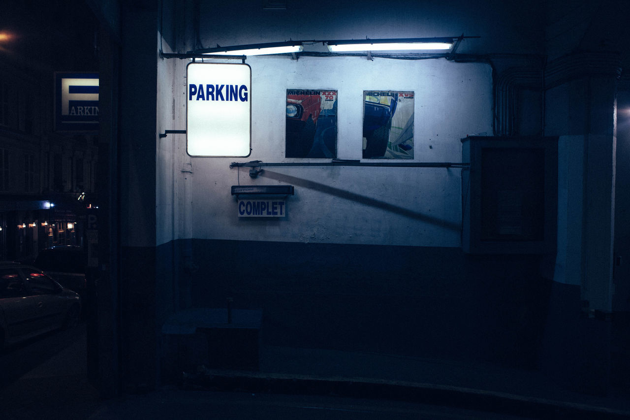 Secret Nocturne Black Discovering Exploring Light Night Photography Paris Shadow Street Vscocam Welcome To Black The Week On EyeEm