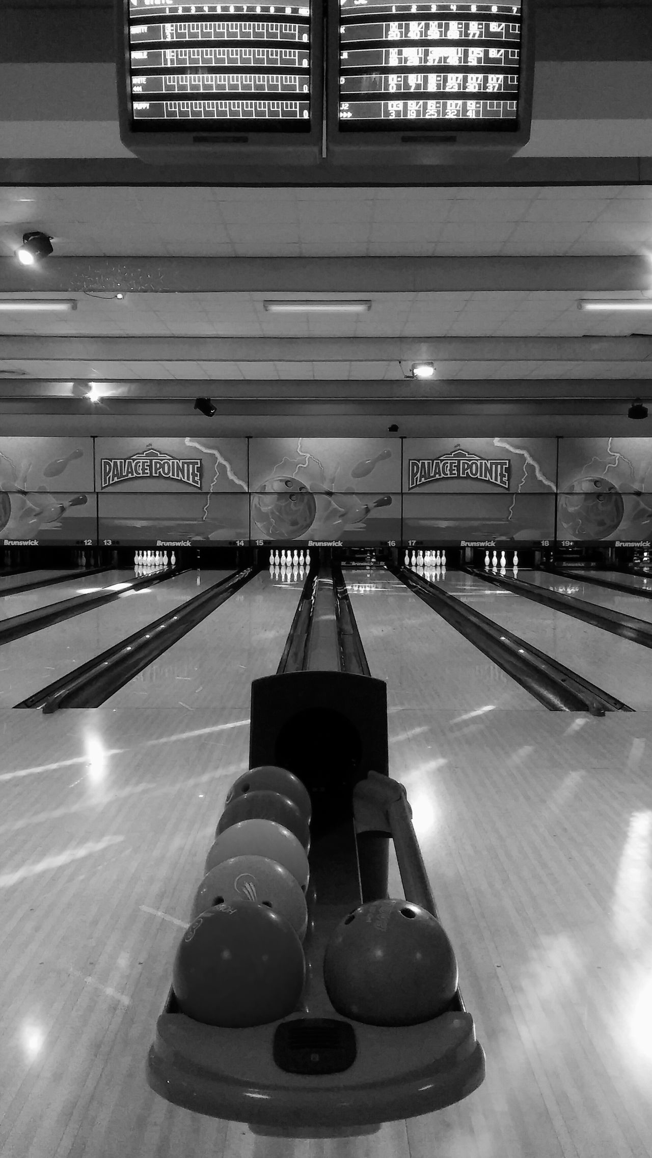Vertical Indoors  No People Bowling Balls Bowlingalley Bowlingnight Game Bowling Alley Bowling Indoors