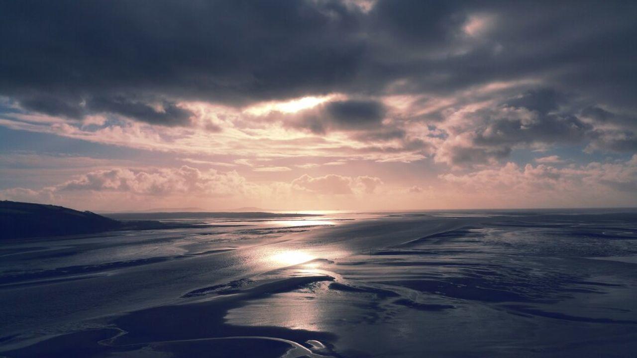 Llansteffan Beach Sunset Cloudy Clouds Wales Walking