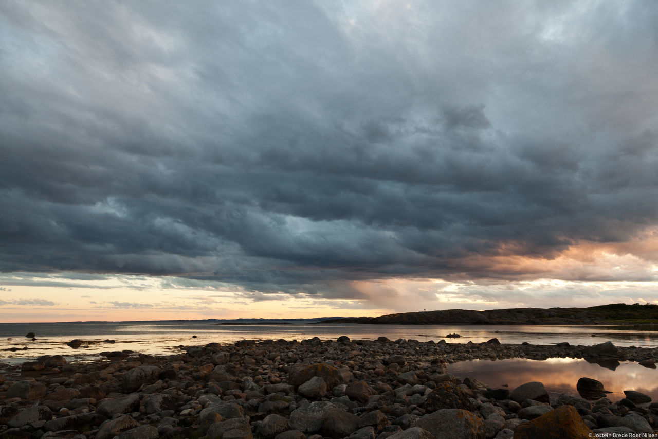 Dramatic clouds Beach Beauty In Nature Cloud - Sky Dramatic Sky Golden Hour Horizon Over Water Nature No People Norway Norway🇳🇴 Outdoors Scenics Sea Sky Storm Cloud Sunset Tranquil Scene Tranquility Vestfold Water