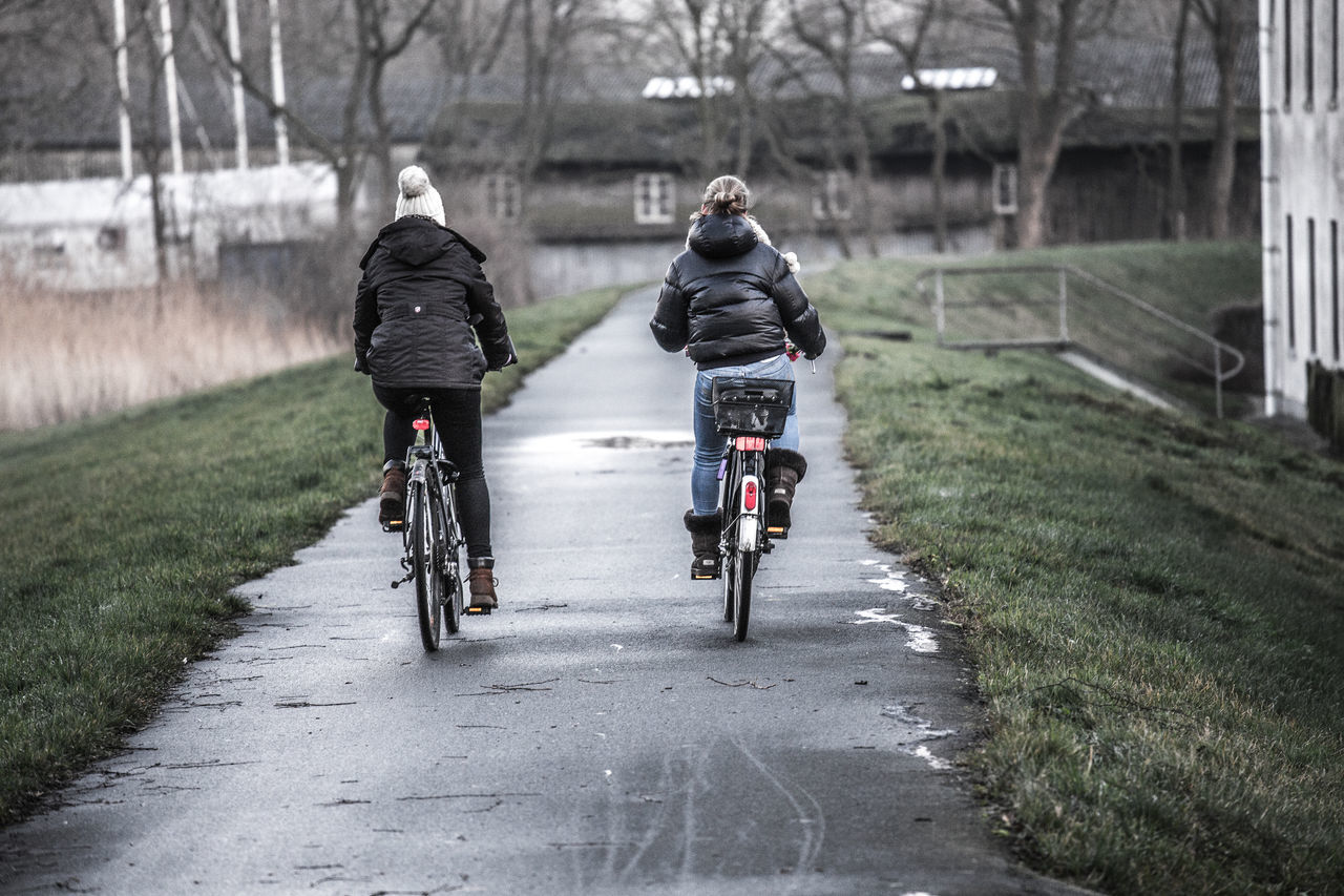 Beautiful stock photos of fahrrad, Bicycle, Bremen, Casual Clothing, Day