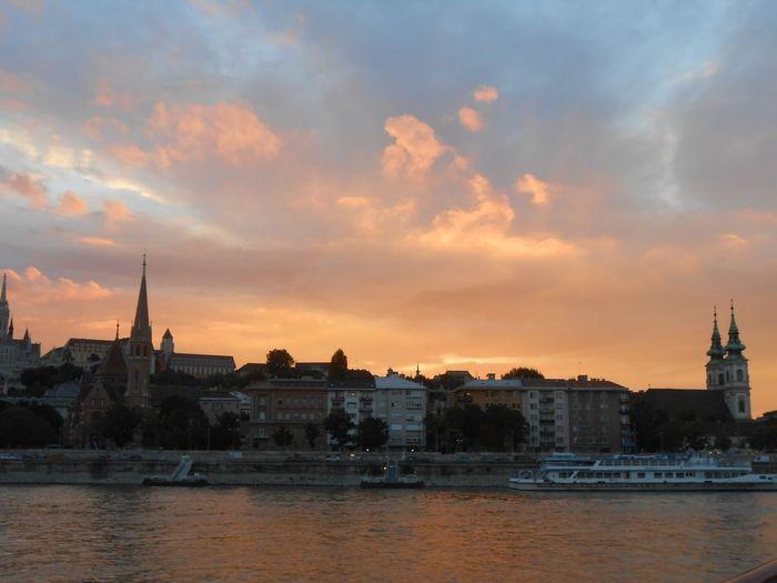 Buda Folyo River Duna Látkép City Water City Cloud - Sky Sky Night EyeEmNewHere Nature