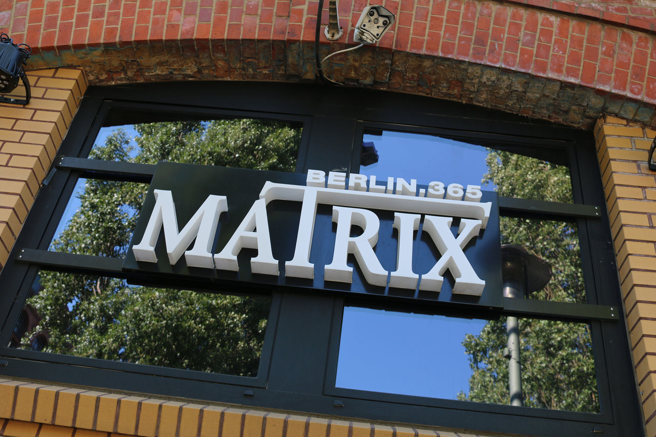Discothek Matrix Architecture Architektur Berlin City Deutschland Discotek Friedrichshain Germany Matrix Warschauer Straße Window Canonphotography Canon