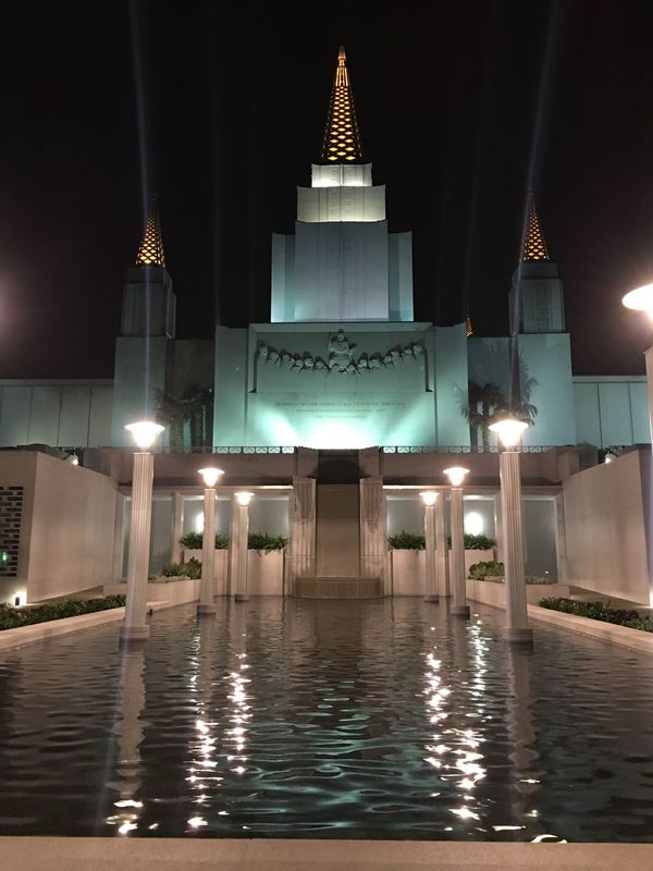 The Oakland Temple Adapted To The City EyeEmNewHere Miles Away Lieblingsteil Minimalist Architecture The City Light Welcome To Black Long Goodbye EyeEm Diversity The Secret Spaces Neighborhood Map The Street Photographer - 2017 EyeEm Awards The Architect - 2017 EyeEm Awards The Great Outdoors - 2017 EyeEm Awards The Photojournalist - 2017 EyeEm Awards Live For The Story Let's Go. Together.