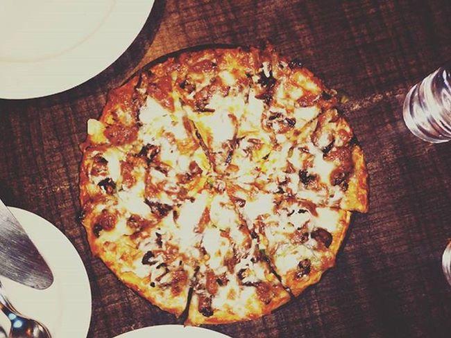Grilledchickenpizza Tendershreddedchicken Beautifulcrust Bellpeppers Onions Lotsofcheese Worthit Foodie Foodgasm Foodporn Foodstagram Igers