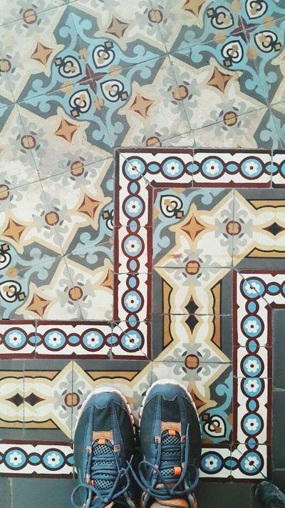 Azulejo Hello World Mosaic Floor Pisos Tiled Floor Azulejos Ladrillos Tiles Ondepiso Mosaic Tiles Brazil Whereilive Brasil ♥ Ladrilhos Myfoot Rio De Janeiro Nice Day Pisohidraulico Rio De Janeiro Eyeem Fotos Collection⛵ Hidràulic Human Foot Relaxing