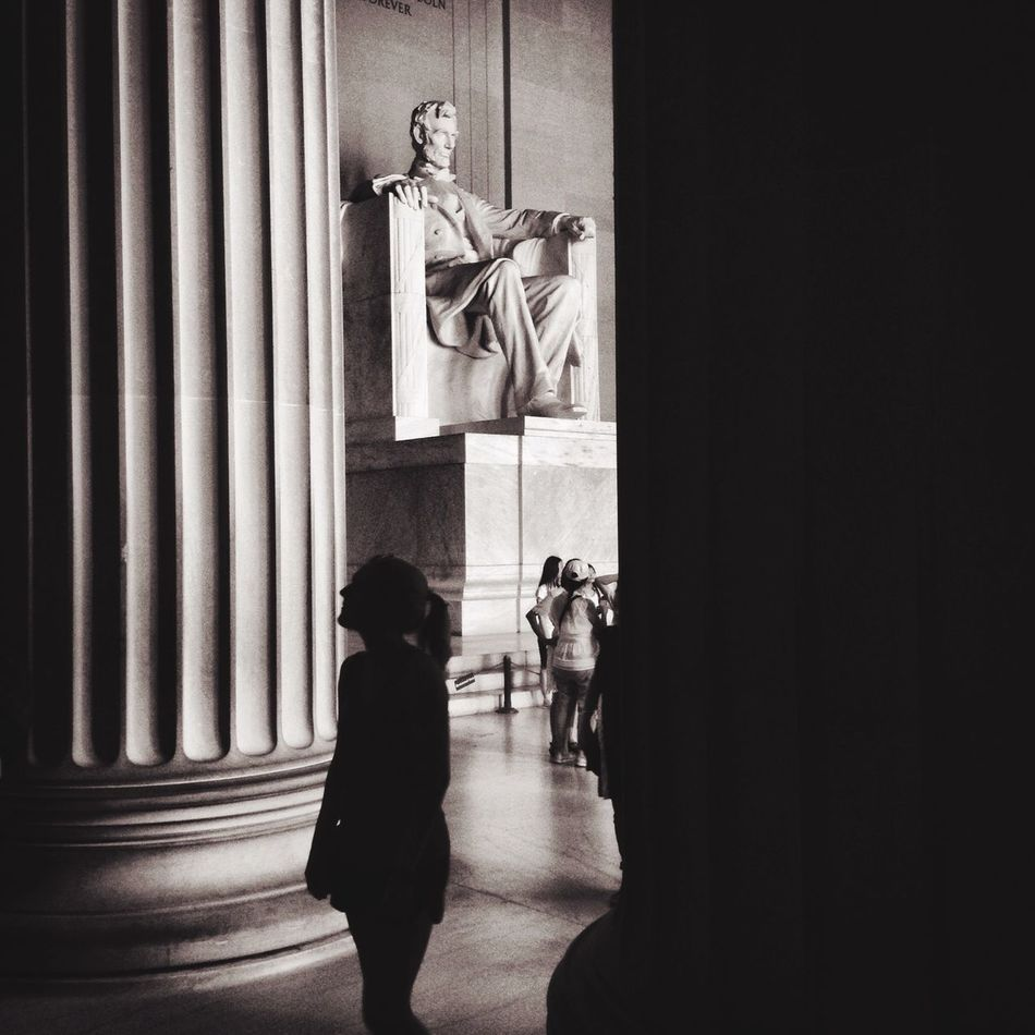 Lincoln Memorial Black And White EyeEm Best Shots - Black + White Black And White Photography Black & White Blackandwhitephotography WashingtonDC Street Protography Streetphotography_bw The Street Photographer - 2015 EyeEm Awards EyeEm Best Shots