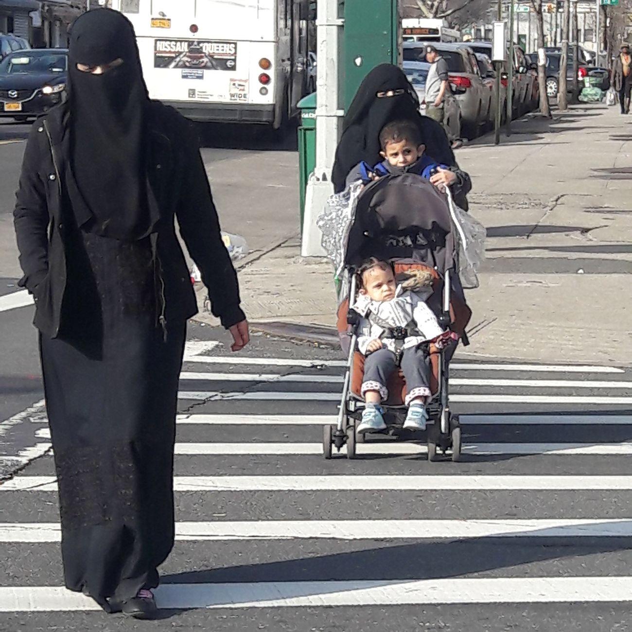Muslim Woman Muslim Culture Muslimahfashion Lifestyles Wayoflife Queens NYC Muslim Children Freedom Of Expression The American Dream Street Photography Eyem Photography Newyorkcityphotographer EyemPhotographer
