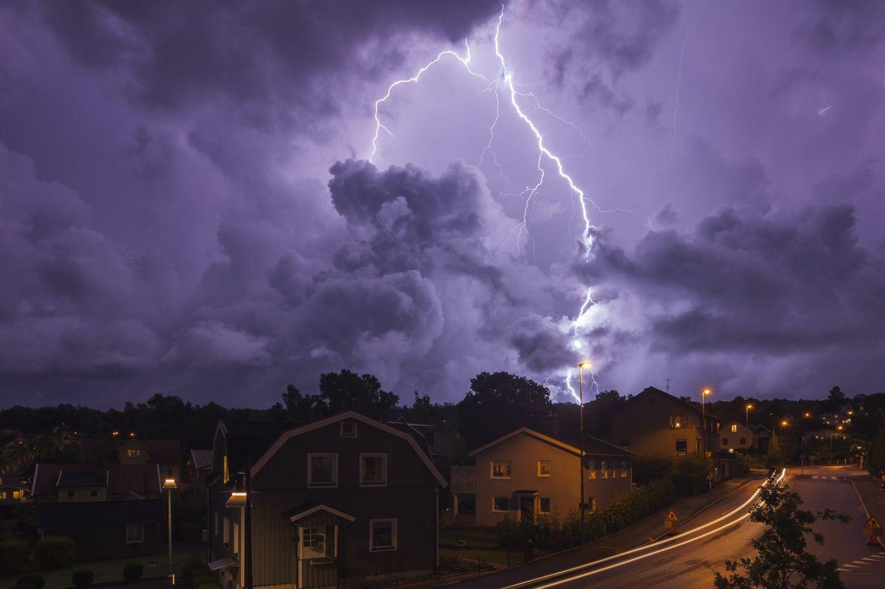 Beautiful stock photos of lightning, Architecture, Building Exterior, Illuminated, Lightning